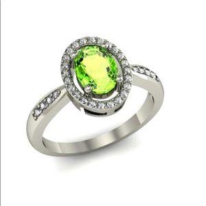 Peridot and diamond set in 18k White Gold Ring